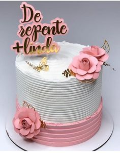 Birthday Cake Roses, 1st Birthday Cakes, Cake Decorating Techniques, Cake Decorating Tips, Korea Cake, Piano Cakes, Buttercream Decorating, Teen Cakes, Beautiful Cake Designs
