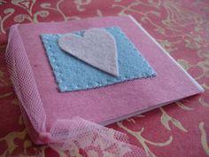 libricino di carta riciclata c libro carta,panno lencio,filo taglio,cucito