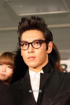 Choi Seunghyun in glasses.... ♡.♡