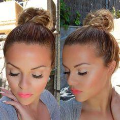 love the highlights and contouring on her face with pink lip accent. Perfect summer make up. Gorgeous Makeup, Pretty Makeup, Love Makeup, Beauty Makeup, Makeup Looks, Hair Beauty, Coral Makeup, Kiss Makeup, Hair Makeup