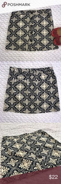 "J. Crew Skirt Adorable J. Crew navy and cream-colored print skirt. Buttons down the front. Flat pockets in the back. Size 8. In excellent condition. Length: 16"" // Waist (measured flat): 16.5"".  Bundle and save! J. Crew Skirts Mini"