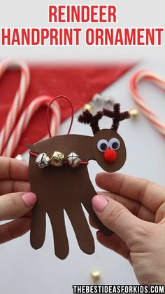 CHRISTMAS CRAFTS FOR KIDS: Reindeer Handprint ornament - this is the perfect Christmas gift or card for kids to make for Christmas! Preschool or Kindergarten classes will love making these! #bestideasforkids #christmas #christmascrafts #ornaments #handprints #reindeer #kidscrafts #kidsactivities #preschool #kindergarten #kidsfun