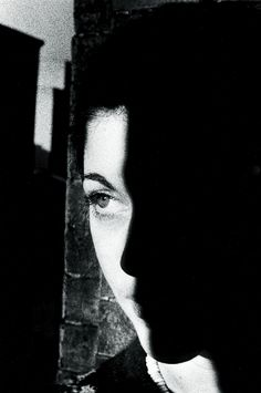 Find the latest shows, biography, and artworks for sale by Ralph Gibson. Capturing a wide range of subjects in portraits and landscapes, prolific photographe… Ralph Gibson, Robert Frank, Shadow Photography, Art Photography, Better Photography, Yamaguchi, Black White Photos, Black And White Photography, History Of Photography
