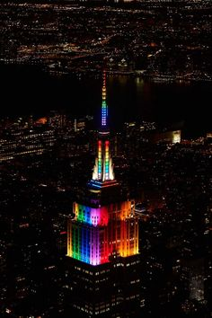 June 28, 2015: The #EmpireStateBuilding shines in rainbow colors to honor #NYC #Pride Week.