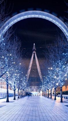 The Ferris wheel (located in London) is an example of radial balance. The overall image is symmetrically balanced. Korea Wallpaper, Eyes Wallpaper, Paris Wallpaper, Winter Wallpaper, Anime Scenery Wallpaper, Cute Wallpaper Backgrounds, Pretty Wallpapers, Couple Wallpaper, Beautiful Nature Wallpaper