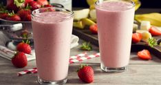Smoothies have grown very popular over the years, with fruit smoothies being at the top of the list of favorite beverages. Many people already consume fruit smoothies regularly and have praised the… Juicing Vs Smoothies, Smoothies Banane, Yummy Smoothies, Strawberry Mango Smoothie, Smoothie Fruit, Coconut Smoothie, Banana Madura, Smoothie Ingredients, Clean Eating Snacks