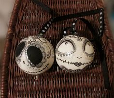 Day of the Dead Nightmare Before Christmas Jack and Sally Christmas Ornaments. Would be fun to do this with a group of people.