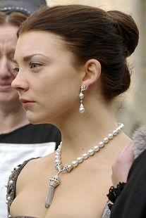 Image result for natalie dormer anne boleyn tassel necklace