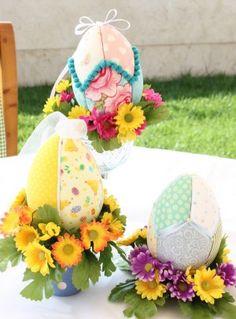 Centro de Mesa con Huevos de Pascua, encuentra más opciones en http://www.1001consejos.com/centros-de-mesa-para-pascua/