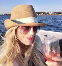 lips – My hair and beauty Dry Lips, Plump Lips, Lip Makeup, Makeup Tips, Lip Plumping Balm, Cosmopolitan Magazine, Makeup Addict, Lip Colors, My Hair