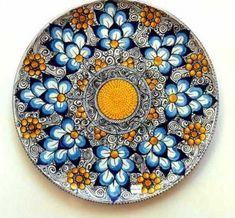 Ceramica artistica ed antica Blue Pottery, Pottery Plates, Ceramic Pottery, Pottery Art, Glass Ceramic, Ceramic Plates, Ceramic Art, Decorative Plates, Pottery Painting
