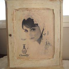 Petit meuble en bois relooké vintage