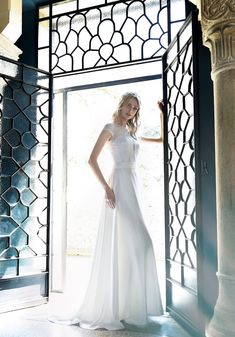 L  abito del giorno è il modello SB 2218 della collezione Stefano B Couture. cf009432b69