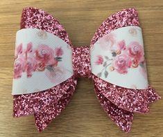 Bows Fabric Hair Bows, Hair Ribbons, Diy Hair Bows, Diy Bow, Tie Headband, Headbands, Homemade Bows, Hair Bow Tutorial, Bow Pattern