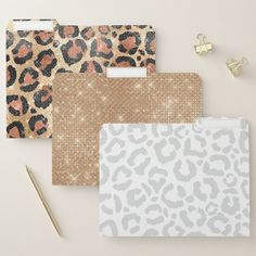 Elegant Chic, Simple Elegance, Types Of Planning, Cheetah Animal, Leopard Spots, File Folder, Getting Organized, Color Change, Print Patterns