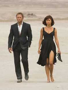 Olga Kurylenko played Camille Montes, with Daniel Craig as James Bond, in Quantum of Solace Style James Bond, Soirée James Bond, James Bond Girls, James Bond Movies, Daniel Craig James Bond, Craig 007, Craig Bond, Olga Kurylenko, Marc Forster