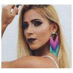 Um belo maxi brinco deixará seu look do dia ainda mais estiloso neste fim de ano! O modelo colorido fica incrível em mulheres ousadas! ❤️ Onde encontrar: Lorena Lauar (Av Amazonas, 686 - Loja 146 - Betim) #feirashop #lindadefeirashop #moda #modabh #modaparameninas #modamineira #lookdodia #Look #trend #tendência #maxibrinco #brinco #fimdeano #acessório #acessórios #betim #dica #dicas #style #estilo #fashion