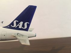 SAS Scandinavian Airlines Airbus A321-200 ARNE VIKING 1,200 Scale,Small Star Alliance Logo Plastic Model Aeroplane Starlets,Reg no SE-REI,Plastic,Plane measurements Length 22 1/2 cm,Width wing tip to wing tip 17.2 cm
