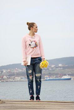 Candy Pink Unicorn Sweatshirt and Boyfriend Jeans