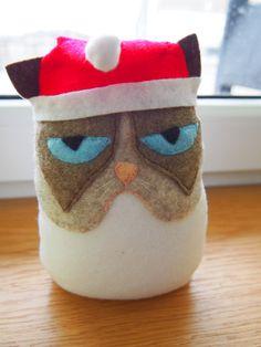 felt christmas grumpy cat