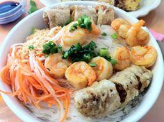 A bowl of happy for all ur taste buds :) Vietnamese Pho, Taste Buds, Shrimp, Meat, Happy, Food, Essen, Ser Feliz, Meals