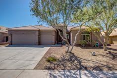 Spacious 4 /2 Lake Community Home in Goodyear