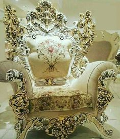 Furniture Guide For Minecraft Refferal: 3469976016 Entry Furniture, Cute Furniture, Royal Furniture, Shabby Chic Furniture, Luxury Furniture, Furniture Design, Painted Furniture, Victorian Style Furniture, Huge Master Bedroom