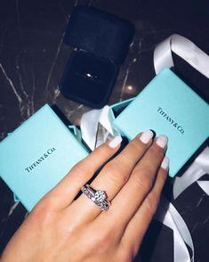 """Polubienia: 37.9 tys., komentarze: 291 – CHIQUE LE FRIQUE™ (@chique_le_frique) na Instagramie: """"These rings tho @chiquehappens"""""""