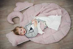 Soft and joyful baby play area needs a pla mat! Great idea for your nursery is natural linen play mat teddy bear with attached bear head as a pillow. For stylish baby room. Soft Play Mats, Baby Play Areas, Bear Rug, Baby Workout, Play Gym, Stylish Baby, Baby Room, Pillows, Bear Head
