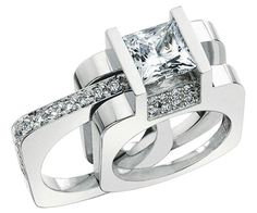 To die for...  This is how I would like my engagement ring to look like..