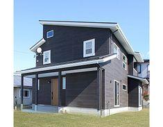 建築実例 外観 外装 外壁 窯業 サイディング 木目調 ブラック ホワイト