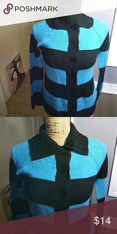 2 shades of blue button-up cardigan Buttons to the top size xl juniors Sweaters