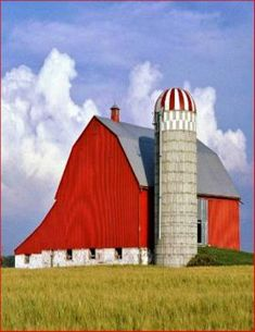 78 Stunning Red Barn You'll Actually Want To Know Country Barns, Country Life, Country Living, Country Roads, Farm Barn, Old Farm, Cabana, American Barn, Barn Pictures
