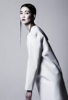 white fashion – photography and design inspiration for editorial | Fashion + Photography | Design: MARTIN NIKLAS WIESER |