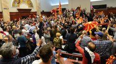 ΠΓΔΜ: Πολιτική αβεβαιότητα και διαδηλώσεις :: left.gr