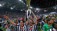 http://www.tuttosport.com/foto/calcio/coppa-italia/2015/05/20-1008295/la_juve_alza_la_decima_coppa_italia/