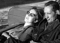 """Esther Tusquets con Miguel Delibes a la hora de la siesta. 1961. """"Un momento de paz casi perfecto""""."""