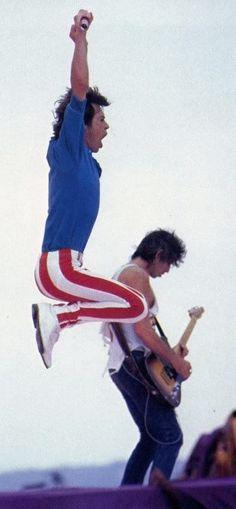 Mick Jagger and Keith Richards Siga o nosso blog Mundo de Músicas em http://mundodemusicas.com/