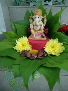Ganesh Chaturthi Diy Diwali Decorations, Festival Decorations, Flower Decorations, Ganesh Chaturthi Decoration, Ganpati Decoration At Home, Ganapati Decoration, Pooja Room Design, Diwali Diy, Flower Rangoli