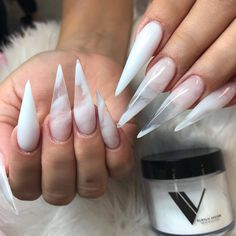 Don't Miss The New Trend Of Stiletto Nails Ideas Fashion In The Spring Of 2020 - Keep creating beauty and warm home, Find more happiness in daily life Clear Acrylic Nails, Clear Nails, Crystal Nails, Nail Swag, Milky Nails, Ongles Or Rose, Nagellack Design, Aycrlic Nails, Coffin Nails