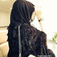 Dp for Muslim Girls in Arab Style Hijab for Social Media Cute Little Baby Girl, Cute Baby Girl Pictures, Cute Little Girl Dresses, Cute Girl Poses, Girl Photos, Muslim Women Fashion, Arab Fashion, Girl Fashion, Hijabi Girl