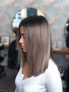 Friseur München, Balayage München, Arbuti Hair Salon The Effective Pictures We Offer You About hair highlights for brunettes A quality … Medium Hair Styles, Curly Hair Styles, Hair Styles Straight, Longbob Hair, Brown Blonde Hair, Dyed Hair Brown, Blonde Straight Hair, Dyed Hair Ombre, Short Blonde