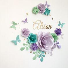 Encantadora flor de papel arreglo  flores de papel sobre la