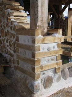 Can you combine Cordwood with Timber Framing? Here are photos of the infilling of a traditional timber frame home with cedar cordwood and lime putty mortar with a Natural Building, Green Building, Building A House, Casas Cordwood, Casa Dos Hobbits, Cordwood Homes, Casas Containers, Tiny House Cabin, Timber Frame Homes