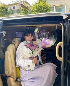 Day6, Asian Beauty, Actresses, Chair, Instagram, Korean Cake, Birthday Ideas, Birthdays, Moon