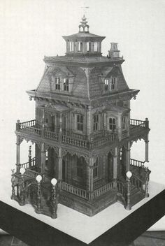 """This is awesome!-place lights and """"halloween sounds"""" in back or inside. This is awesome!-place lights and halloween sounds in back or inside. Haunted Dollhouse, Haunted Dolls, Dollhouse Miniatures, Haunted Houses, Haunted Mansion, Dollhouse Kits, Vintage Dollhouse, Victorian Dollhouse, Miniature Houses"""