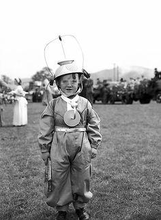 British Legion carnival in Llanrhaeadr-ym-Mochnant. May 24, 1956. Llyfrgell Genedlaethol Cymru / The National Library of Wales via Flickr.