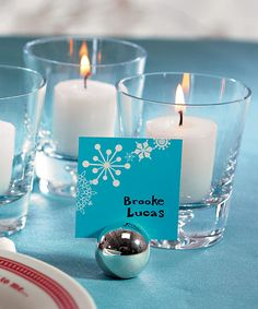 Our elegant Classic Round Placecard Holders are perfect for a variety of events.  The simple design makes these placecard holders versatile enough for everything from a dinner party to formal wedding reception, and every event in between