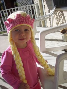 Crochet Toddler Princess Hat @Patricia Smith K. Whitham. This is the kind of hat Vivi needs. The only way she will have long hair for quite some time.