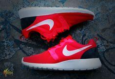 best service a86e2 6d8c8 Nike Rosen Run rouge blanc 1 - €75.69   Chaussures Nike Air Max Pas Cher